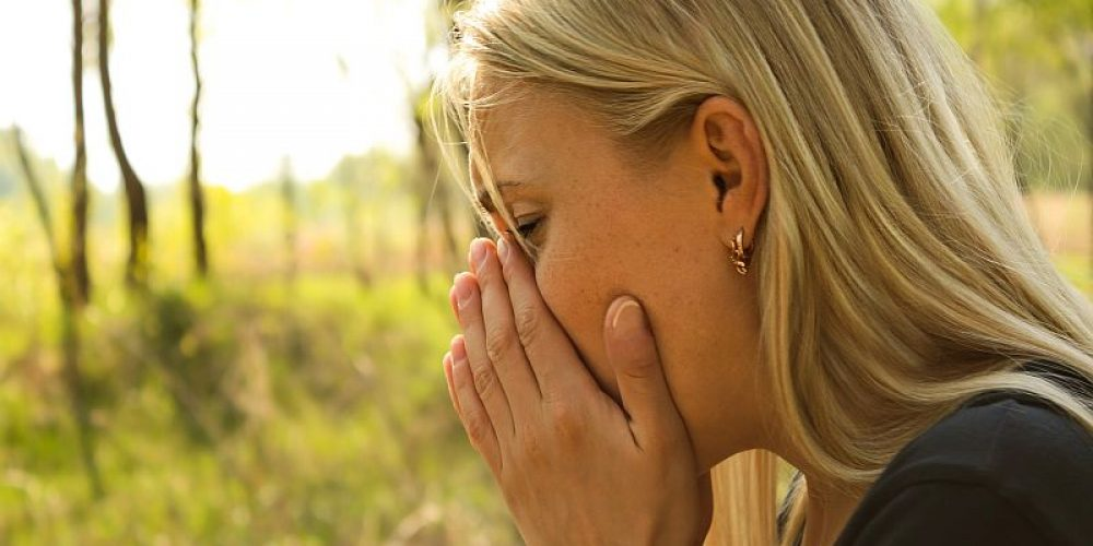 An Allergist Offers His Expert Advice for a Sneeze-Free Spring