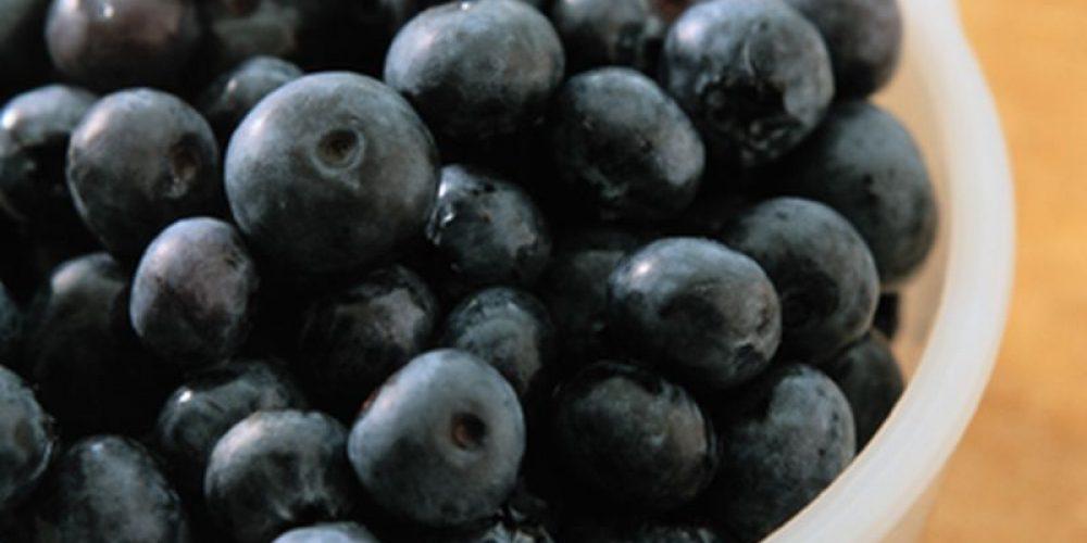 Can Fruits, Tea Help Fend Off Alzheimer's Disease?