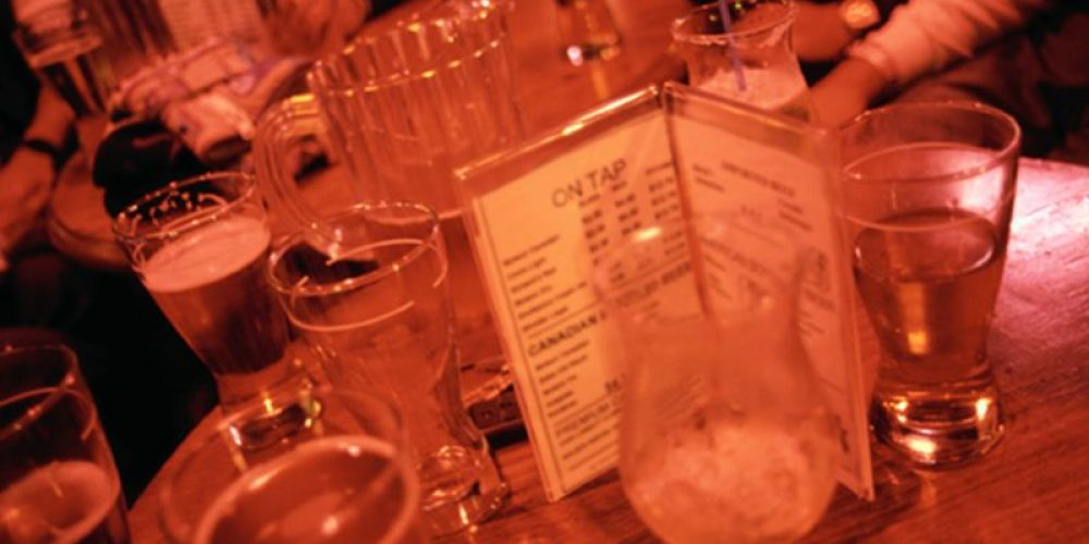 Drinking Takes Toll on Bones of People With HIV: Study