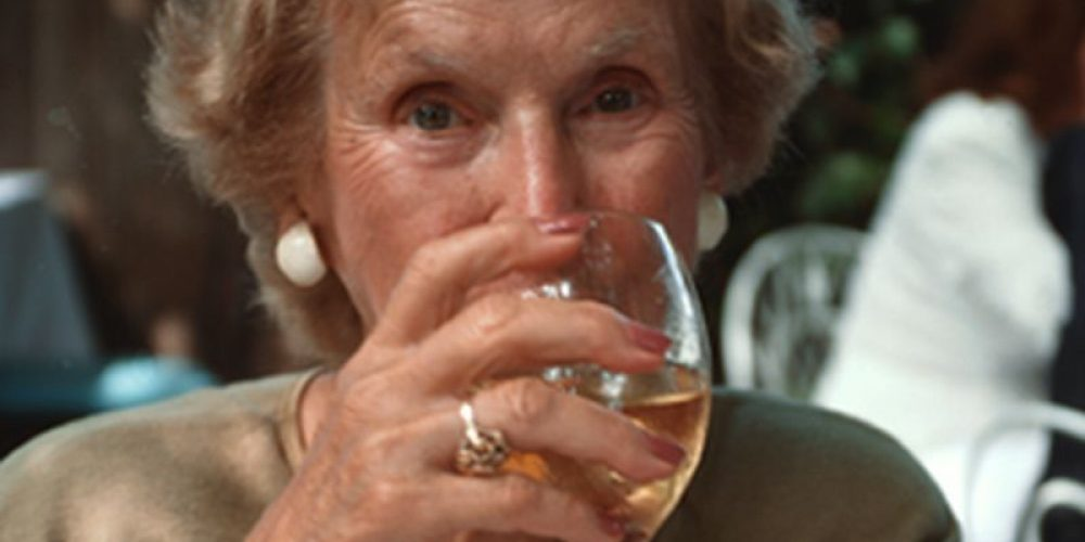 Heavy Drinking Into Old Age Ups Health Risks: Study