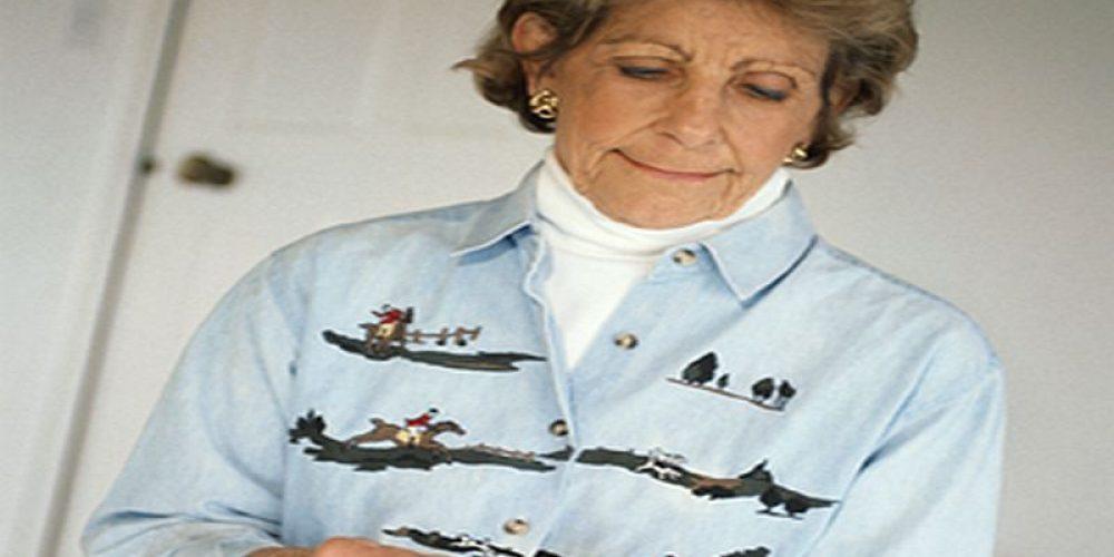 Helping Seniors Manage Meds After Hospital Reduces Readmission: Study