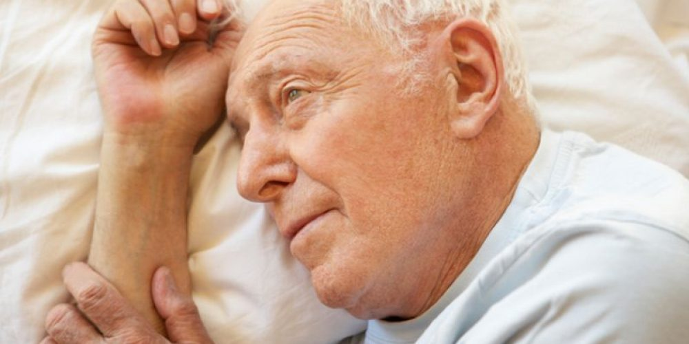 Insomnia May Forecast Depression, Thinking Problems in Older People
