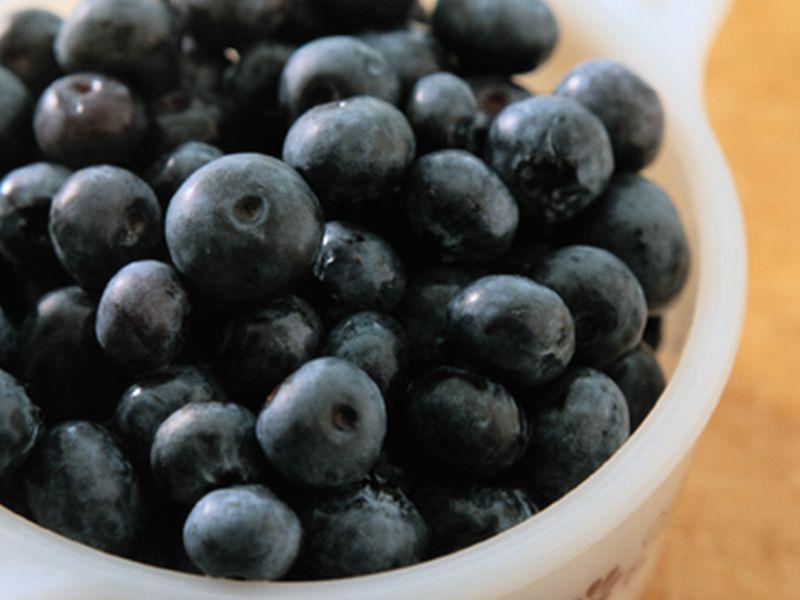 News Picture: Can Fruits, Tea Help Fend Off Alzheimer's Disease?