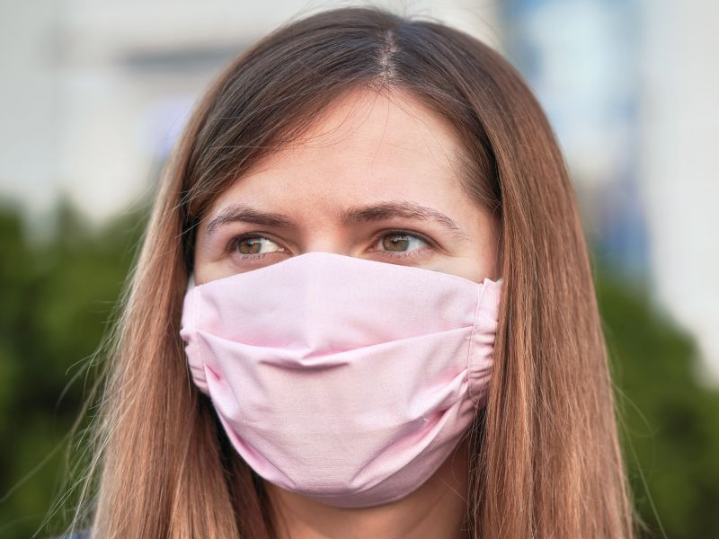 News Picture: Masks and Summer Heat: Not a Great Mix, But Experts Have Tips